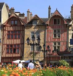 Le centre-ville de Troyes resplendit à nouveau.